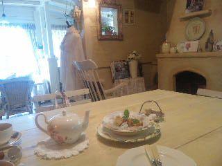 午後のお茶はロマンチックなカフェで。